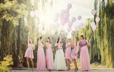Helliumballons zur Hochzeit steigen lassen